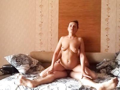 Семейное видео секса в разных позах с красивой американской женой в домашнем порно