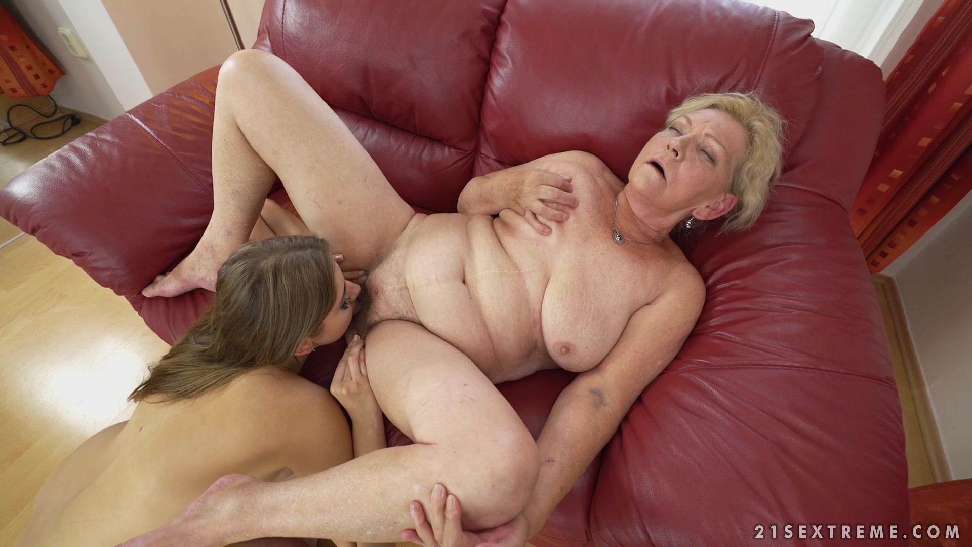 Free Lesbian Granny Porn Pics