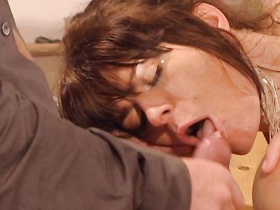 Ретро немецкий порно фильм с жаркой еблей красивых художниц во все дырки