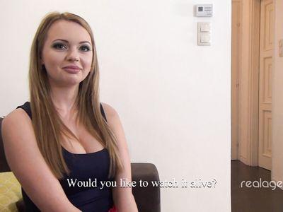 Русая русская девка попала на любительский кастинг и классно чпокнулась